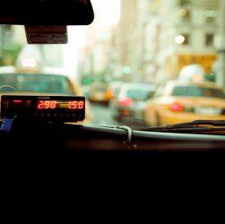 """Prywatne """"taksówki"""" dla pracowników Kaczmarski Group"""