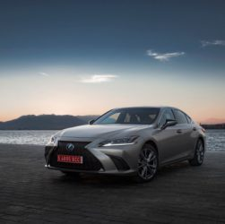 Lexus ES najbardziej niezawodnym modelem w historii słynnego badania