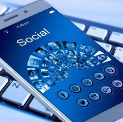 Pandemia dotknęła również media społecznościowe