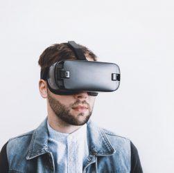 Rozwiązania AR i VR chronią pracowników przed koronawirusem